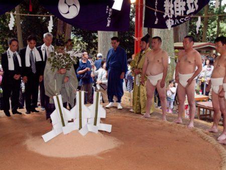 生子神社泣き相撲神事