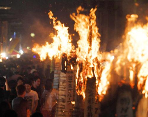 吉田の火祭り大松明2