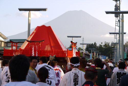 吉田の火祭り神輿