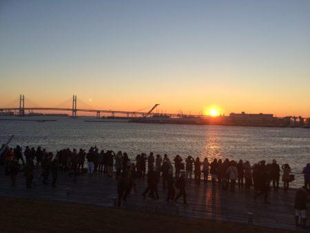 横浜港大さん橋国際客船ターミナル初日の出
