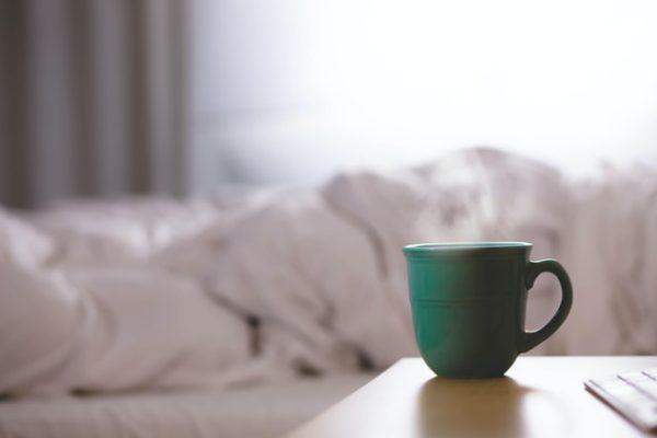 ベッドとコーヒー
