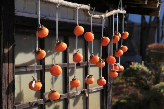 軒先の干し柿