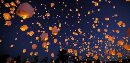 弘前城雪燈籠スカイランタン