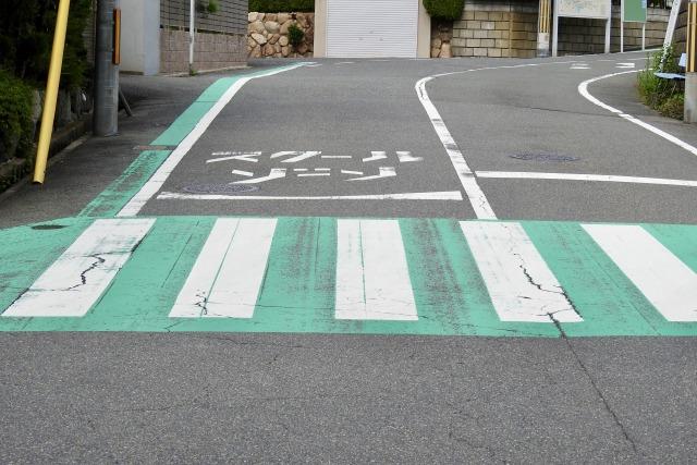 緑色の横断歩道
