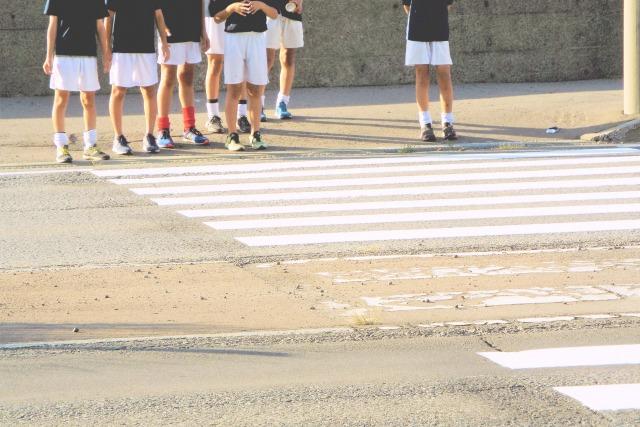 横断歩道で信号待ち
