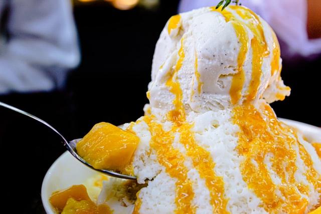 専門店のかき氷マンゴー味