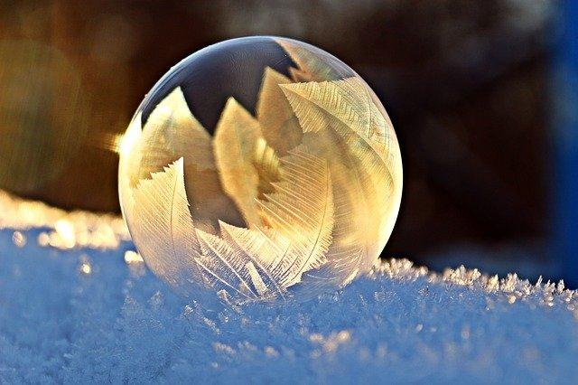 凍ったシャボン玉